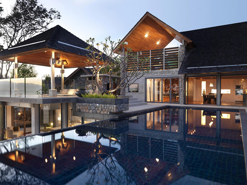 A Villa is a Mix of Modern and Traditional Thai Design: The ...