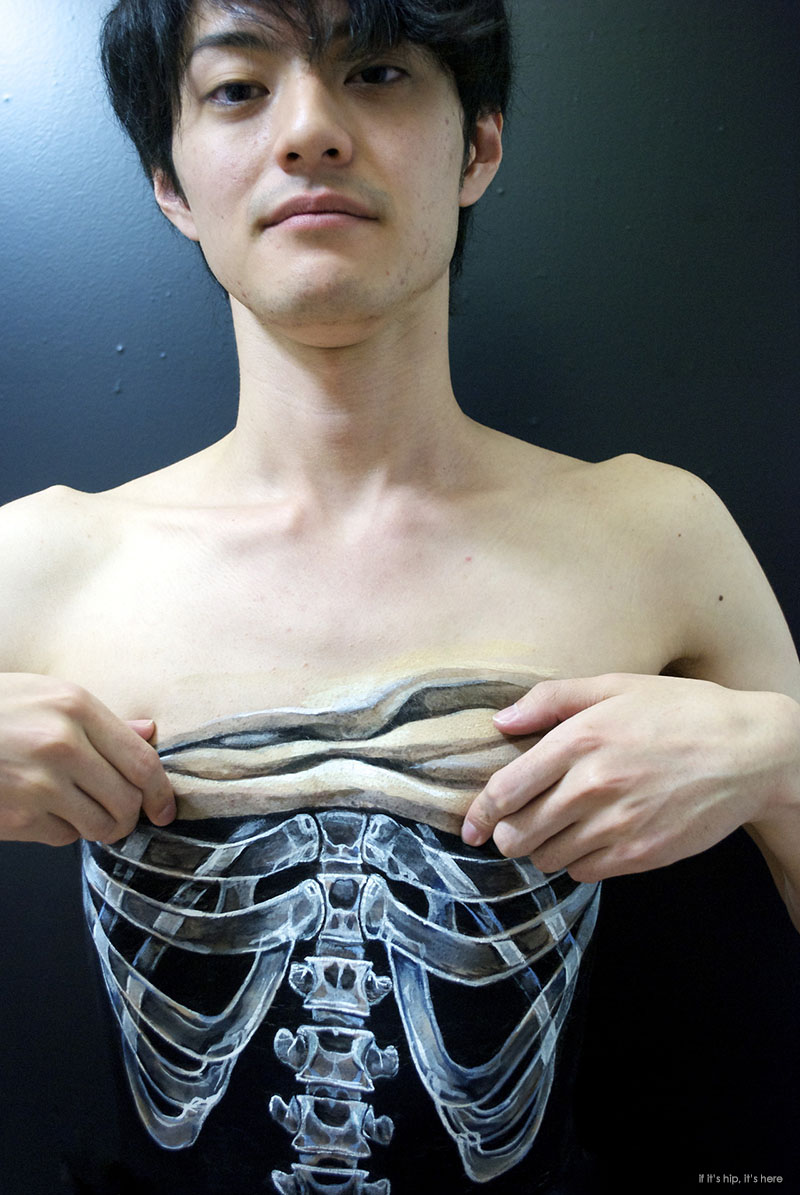 25 Body Art Illusions Done With Acrylic Paint By Hiraku Cho If It S Hip It S Here