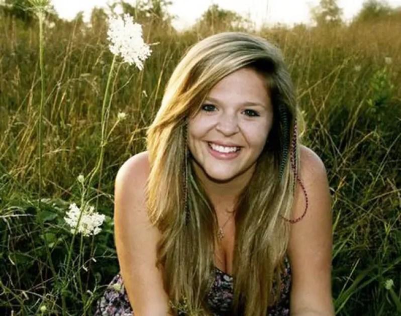 winner Brita Lynn Thompson