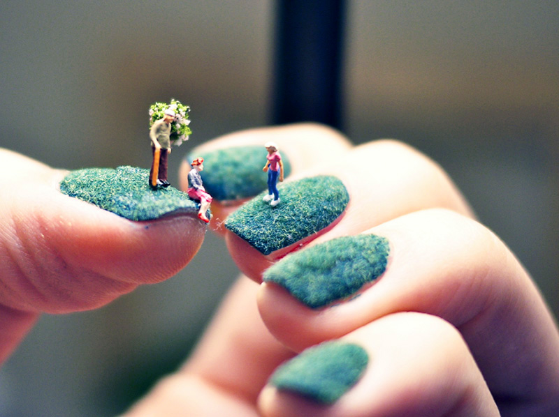 A mani with mini people you can do yourself and heres how if mini mani people1 solutioingenieria Images