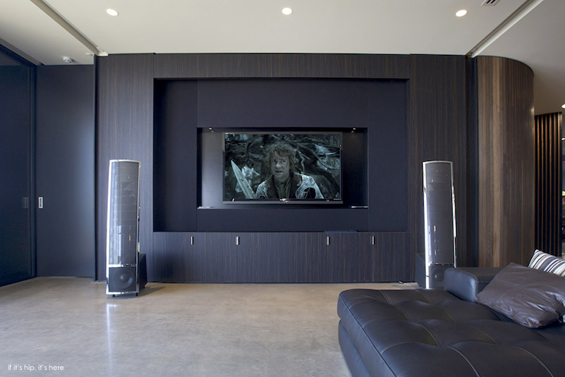 Pole House Home theater 2 IIHIH