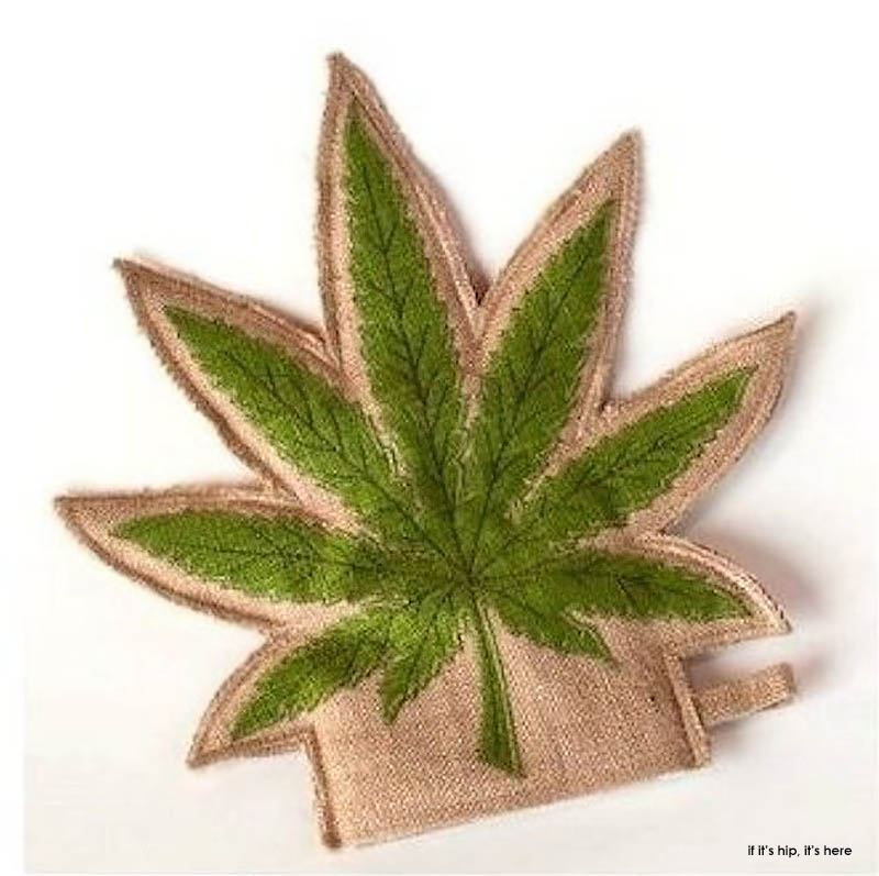 A Cannabis Christmas: The 40 Best Gifts For Pot Smokers – if it's