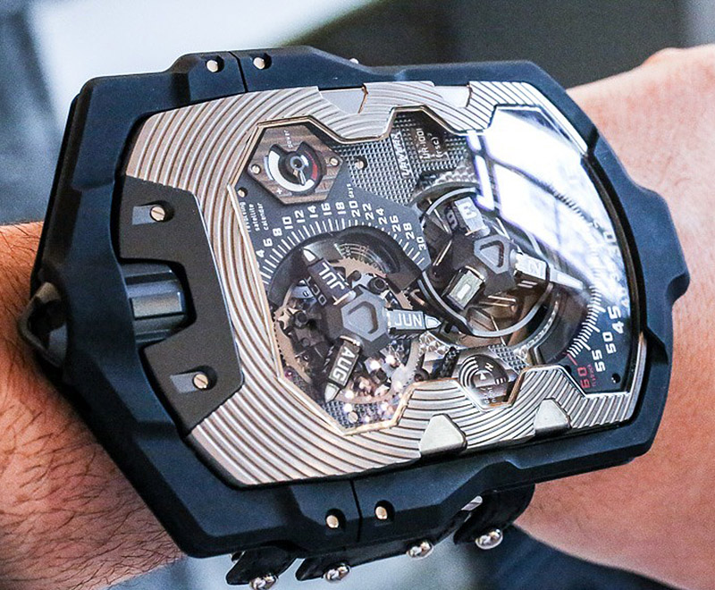 Urwerk-UR-1001-Titan-pocket-watch-bracelet-1