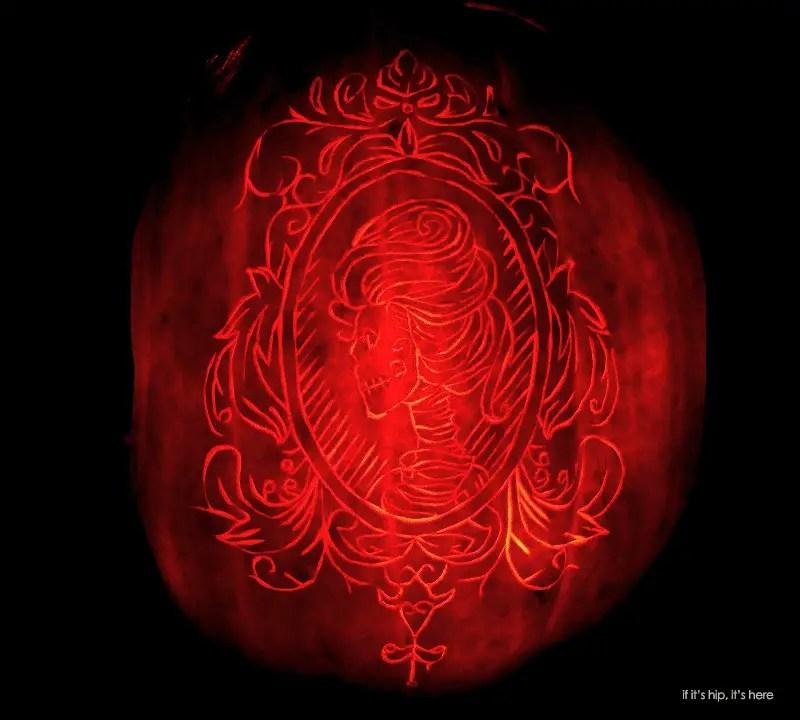 gothic cameo pumpkin