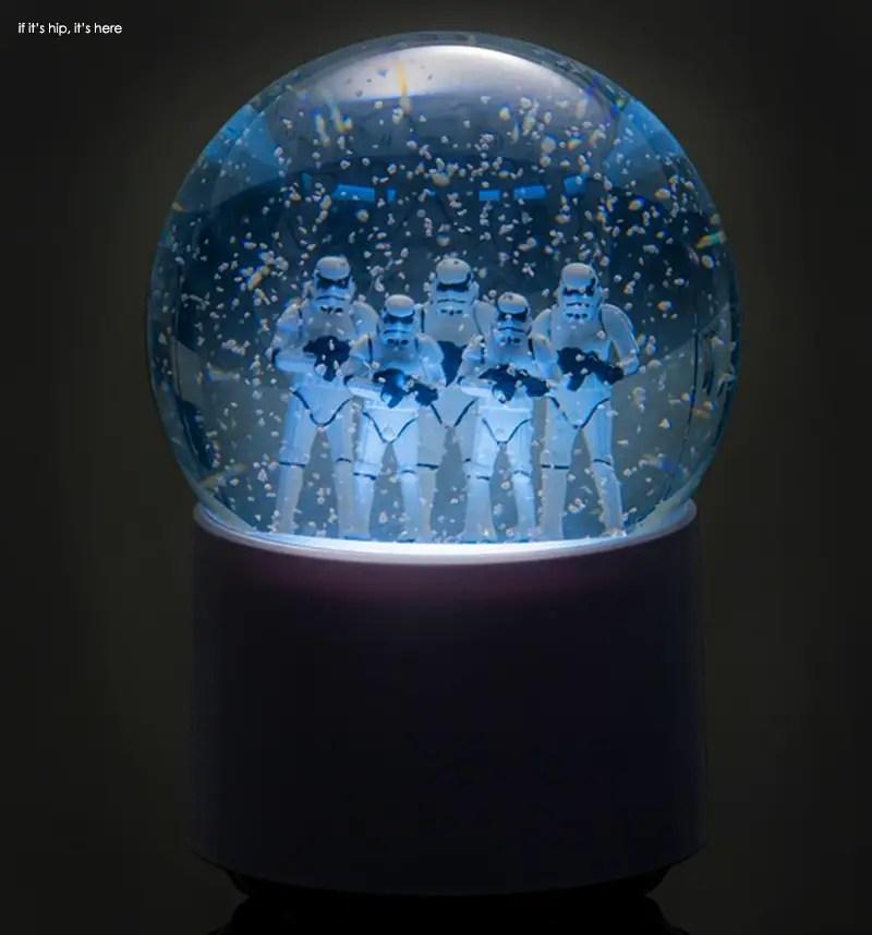 Stormtroopers wireless snowglobe speaker 2