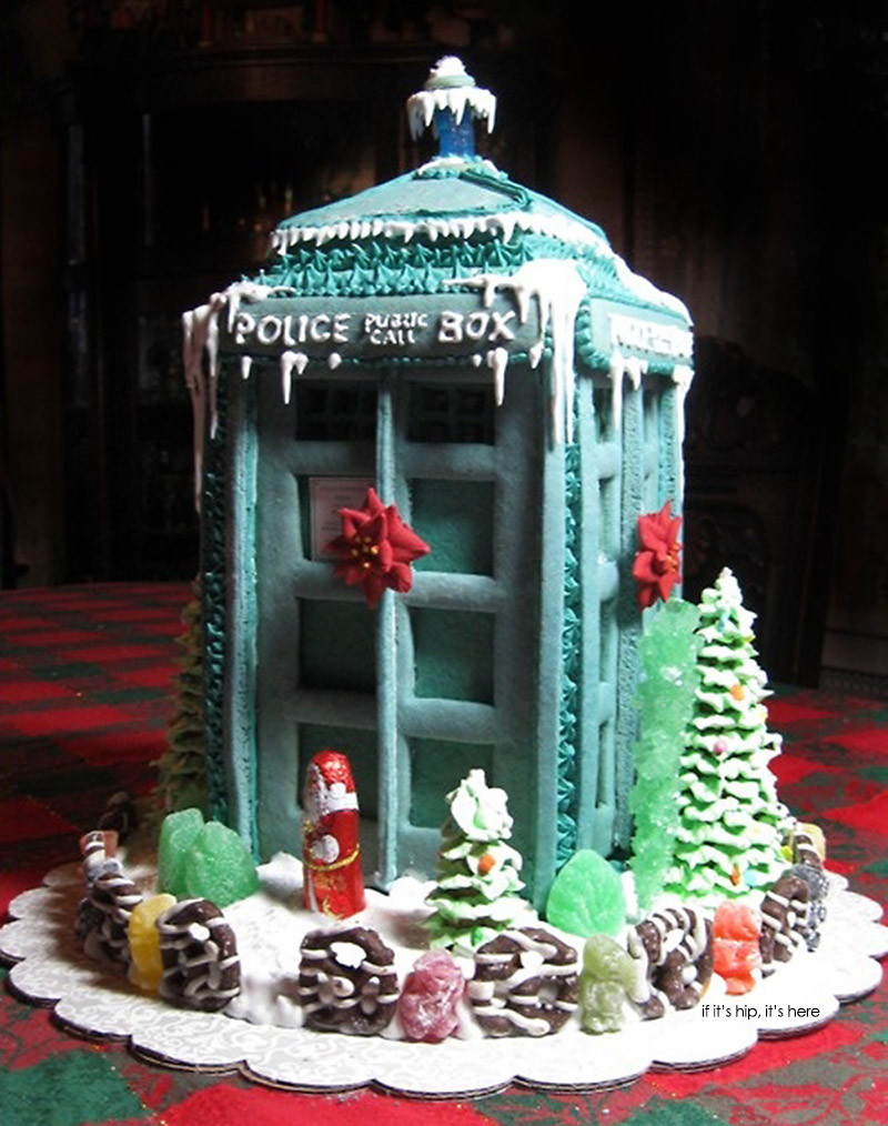 Doctor Who Gingerbread Tardis