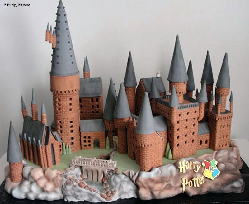 Hogwarts gingerbread house by cherry bay bakery