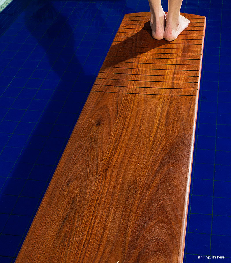 Wooden-Diving-Boards-Detail-Up