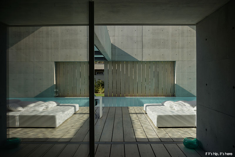 The Guedes Cruz Wall House In Portugal