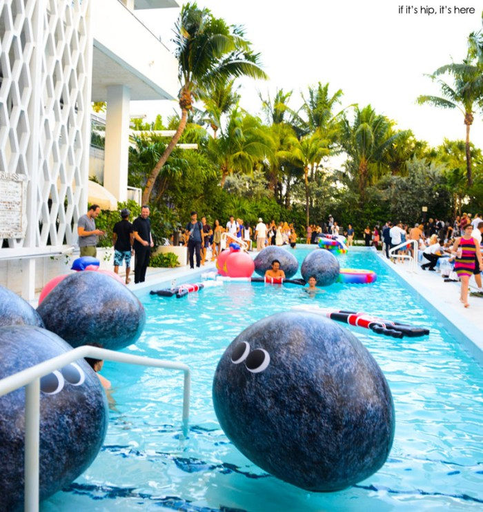 rocky pool floats