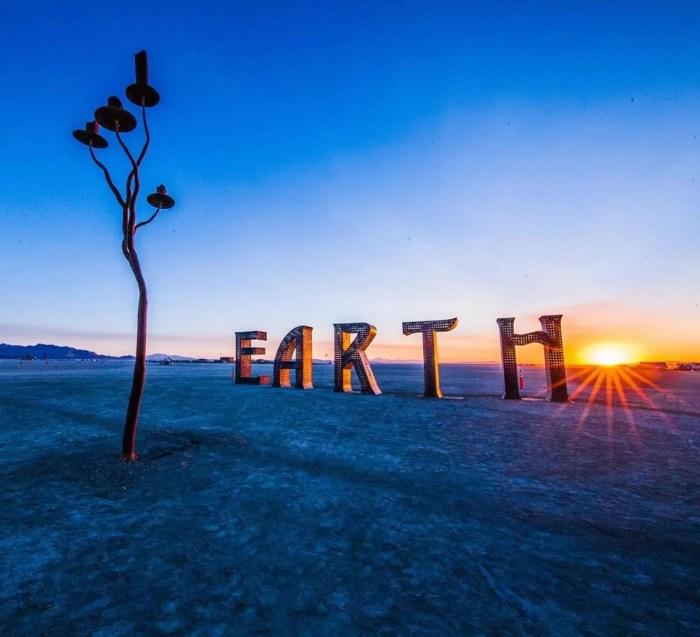 laura kimpton's EARTH