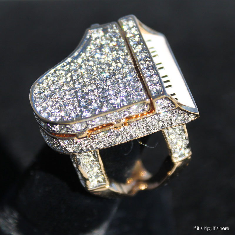 Special Paris Limited Edition Liberace Opening Piano Ring