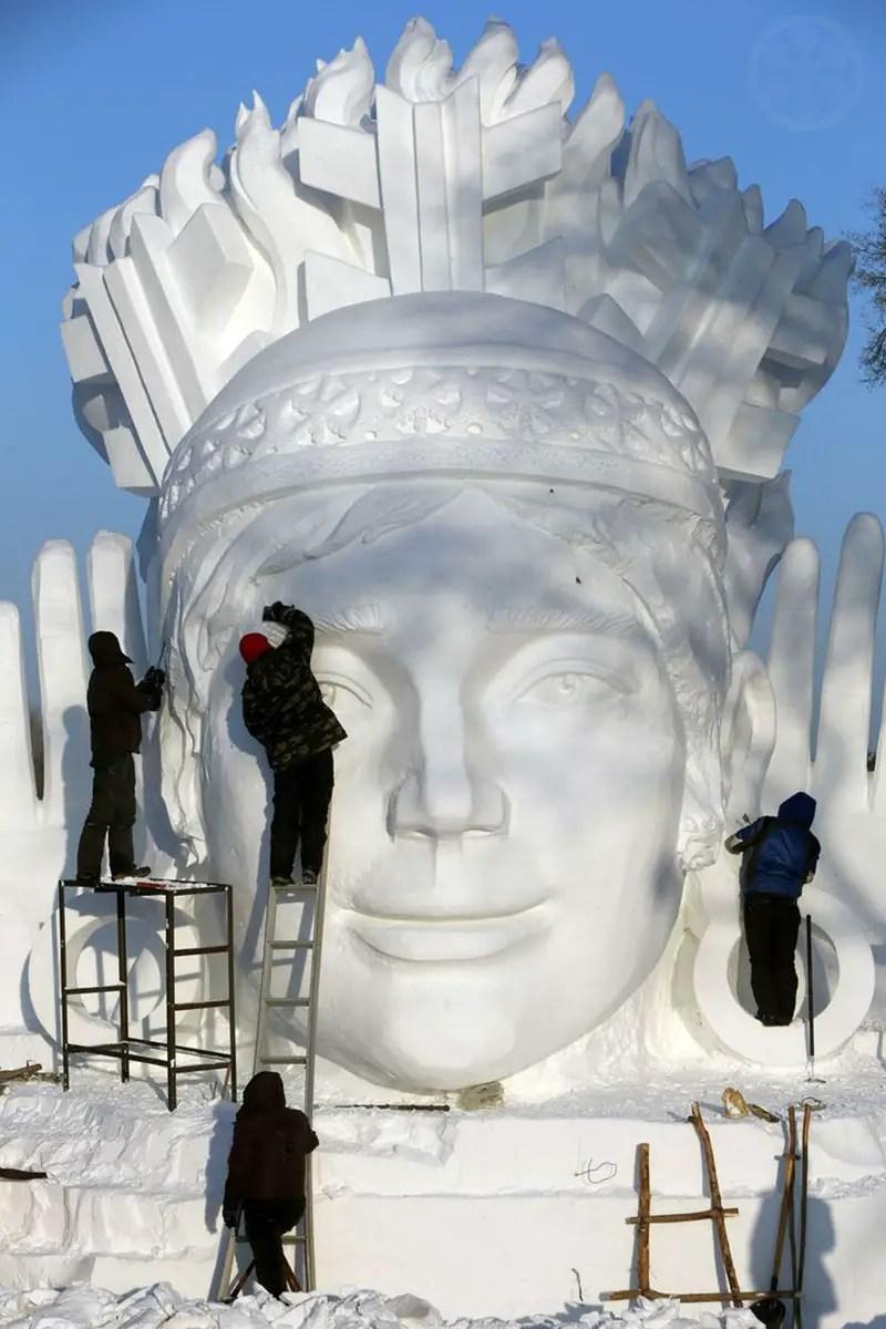 The most impressive harbin ice festival snow sculptures