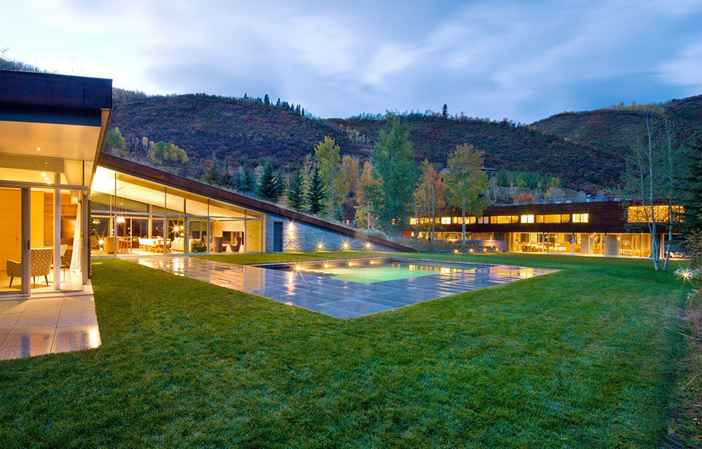 house in the mountains pool