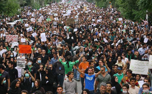 ifmat - Youths Protesting Sham Elections Despite Heavy IRGC & Basij Presence
