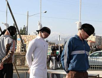ifmat - Execution of 21 Prisoner Including a Woman and Two Executions in Public in Iran