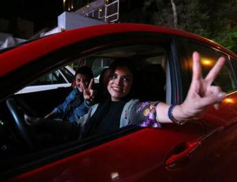 ifmat - Women in Iran are refusing to wear a hijab while driving