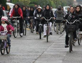 ifmat - Intelligence Agents Clash With Girls Who Were Biking in Iran