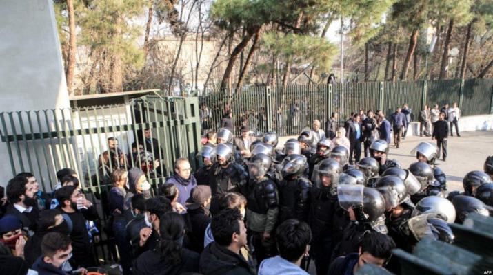 ifmat - Reformist MP will investigate students arrests in Iran