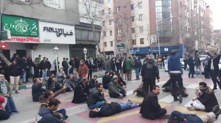 ifmat - Tehran police open fire on Sufi Gnoabadi protesters