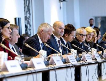 ifmat - EU extends Iran human rights sanctions