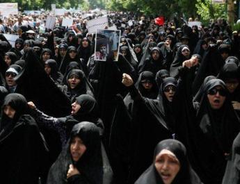 ifmat - Iranian women rebel against wearing the hijab