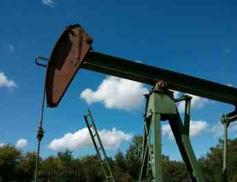 ifmat - Oil firms on OPEC output hikes despite the Iranian sanctions