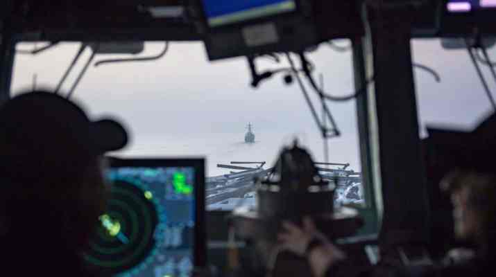 ifmat - US Navy close encounter with Iranian boats in the Persian Gulf