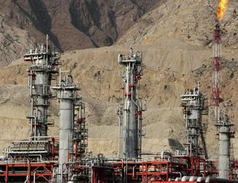 ifmat - Iran regime is trying to bypass US sanctions on its oil sector