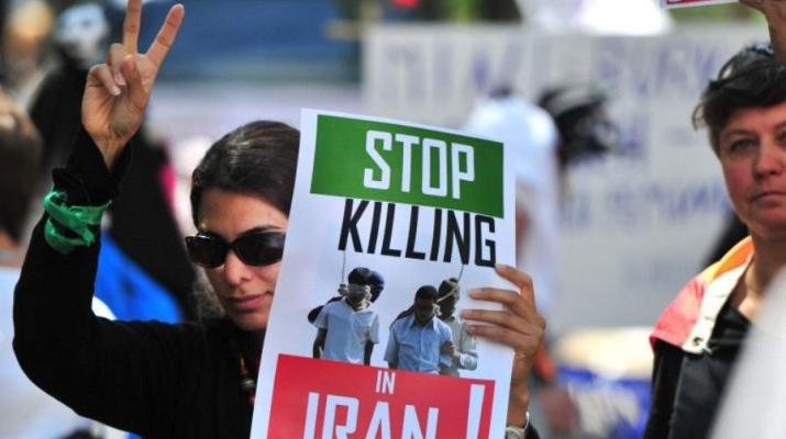 ifmat - Iran regime publicly hangs man on homosexuality charges
