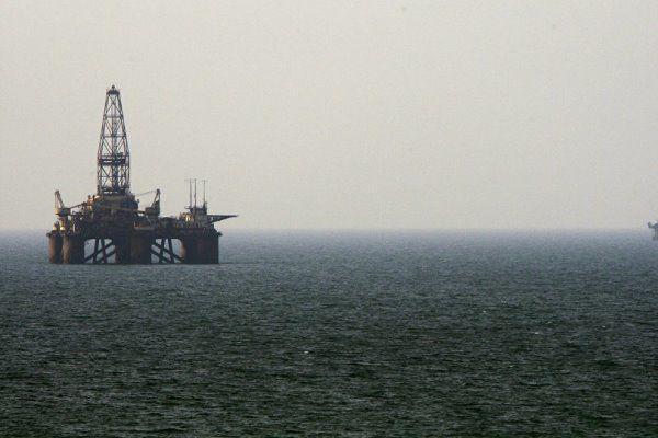 ifmat - Iran-Azerbaijan oil talks continue despite US sanctions