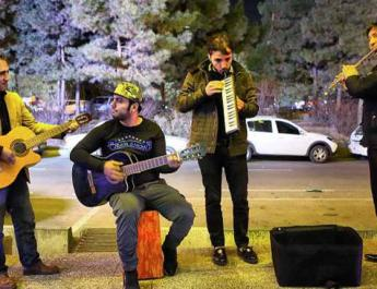 ifmat - Cyber police in Iran blocks online accounts of street musicians