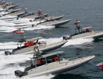 ifmat - Iranian missiles on small boats spotted in Persian Gulf