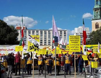 ifmat - Iranian oposition supporters protest presence of Tehran mayor in Berlin