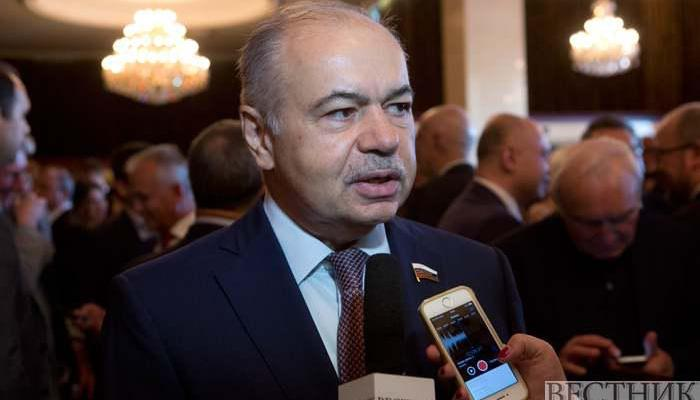 ifmat - Russia senator wants to fight for Iran against US