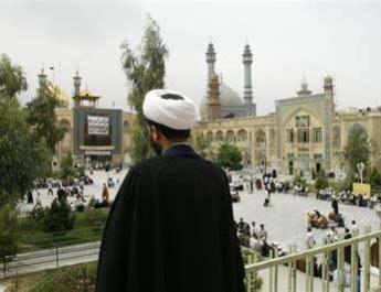 ifmat - Iran cleric encourages visitors to Qom religious sites despite coronavirus fears