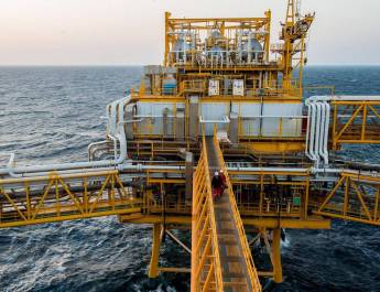 ifmat - Iran to boost oil output capacity as it bides time on sanctions