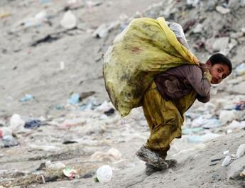 ifmat -Iran People Poverty Result of Regime Corruption and plundering