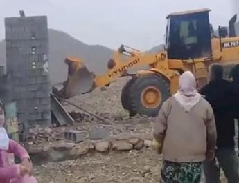 ifmat - Iranian security forces destroy poor people houses