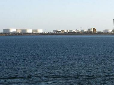 ifmat - Iran opens oil export terminal outside strategic strait