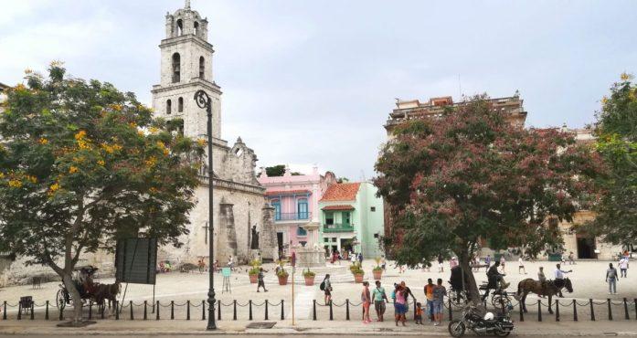 Du passi ne L''Avana Vieja