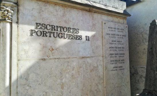 Sezione scrittori al Cimitero Dos Prazeres di Lisbona