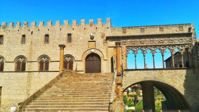 Il palazzo dei Papi a Viterbo per una giornata in cittá