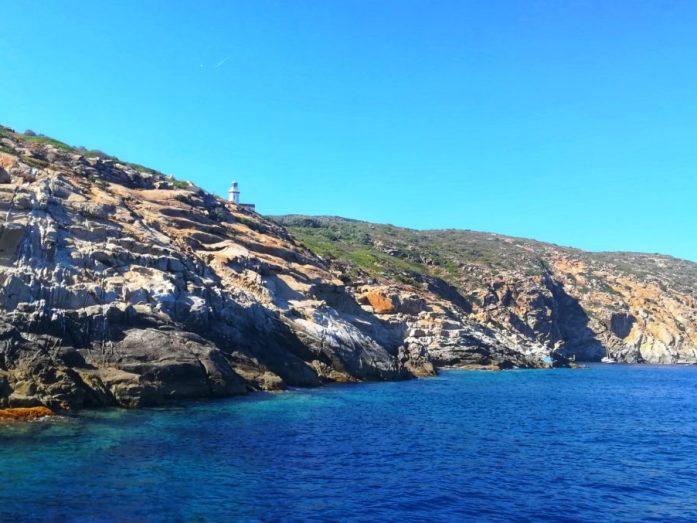 visitare isola del giglio in barca