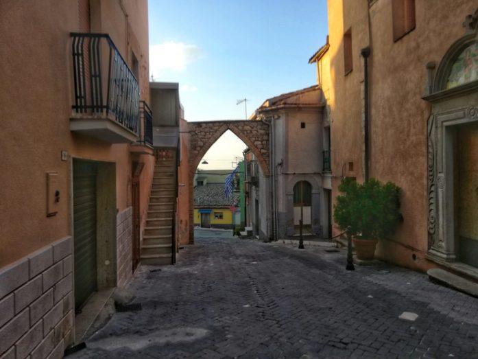 Porta-ingresso-Biccari