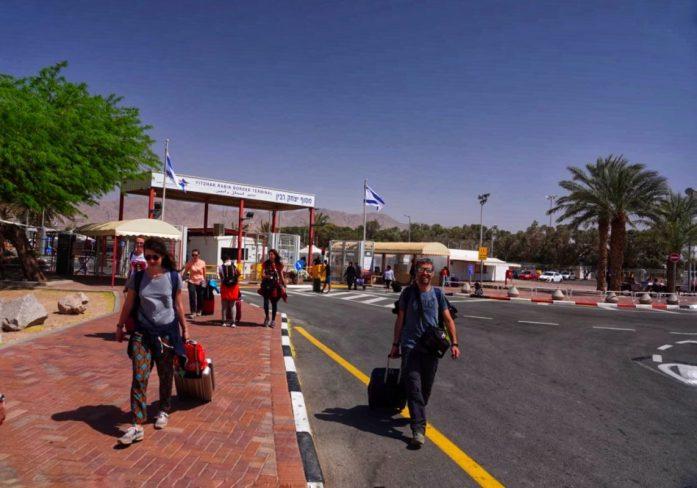 tutto cio che bisogna sapere passaggio dogana in viaggio israele giordania