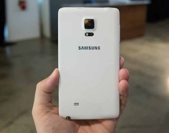 samsung-unpacked-galaxy-note-edge-2_2040_verge_super_wide