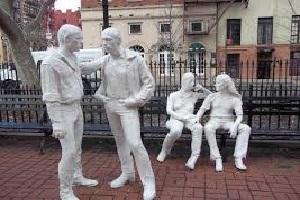 Gay-Statue