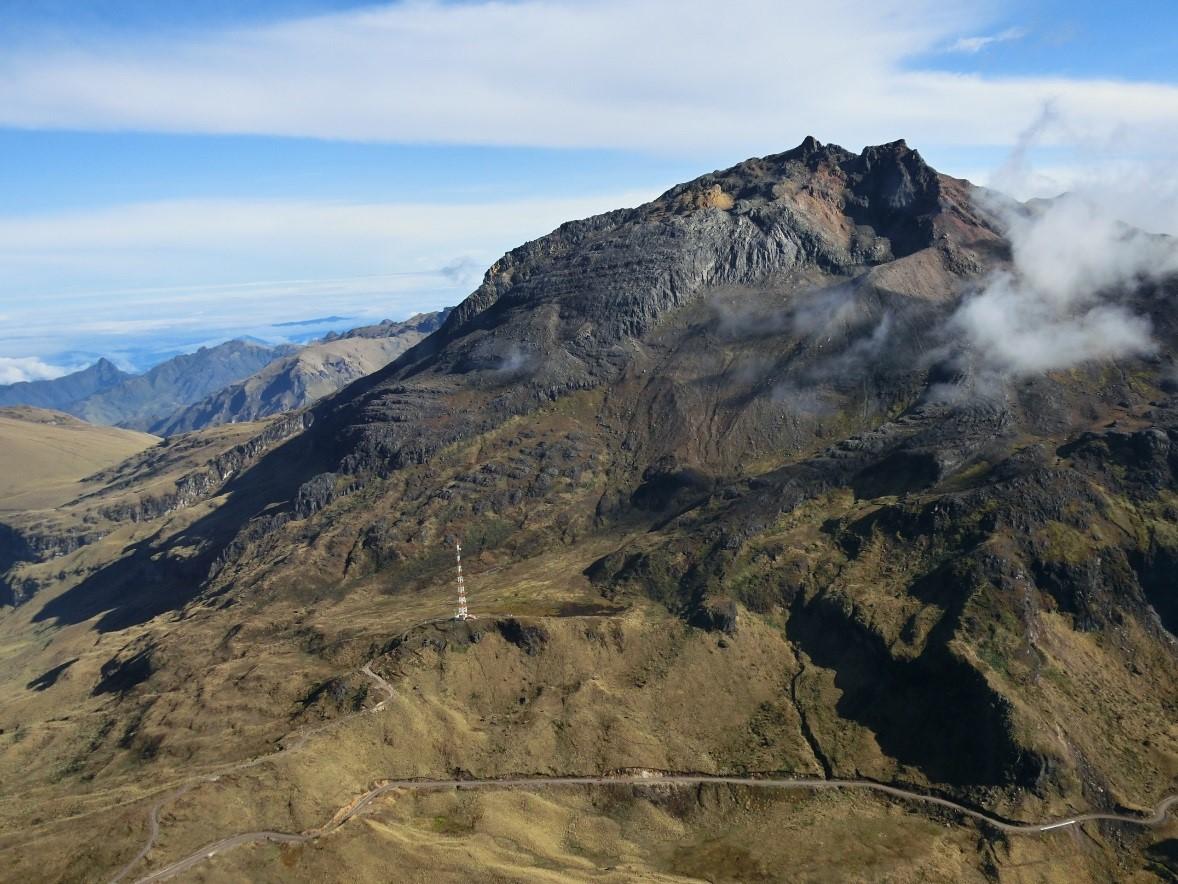 https://i0.wp.com/www.igepn.edu.ec/images/portal/noticias/volcanes/chiles20141105-4.jpg