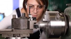 Was die IG Metall Azubis und Studis bietet